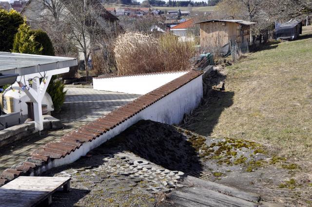 terrasse mit mauer einfassen kleiner hochwasserschutz 1 2 forum. Black Bedroom Furniture Sets. Home Design Ideas