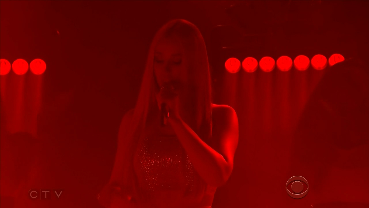 Iggy_Azalea_-_James_Corden_720p_2017_06_13.00_00_20_46.Still001.jpg