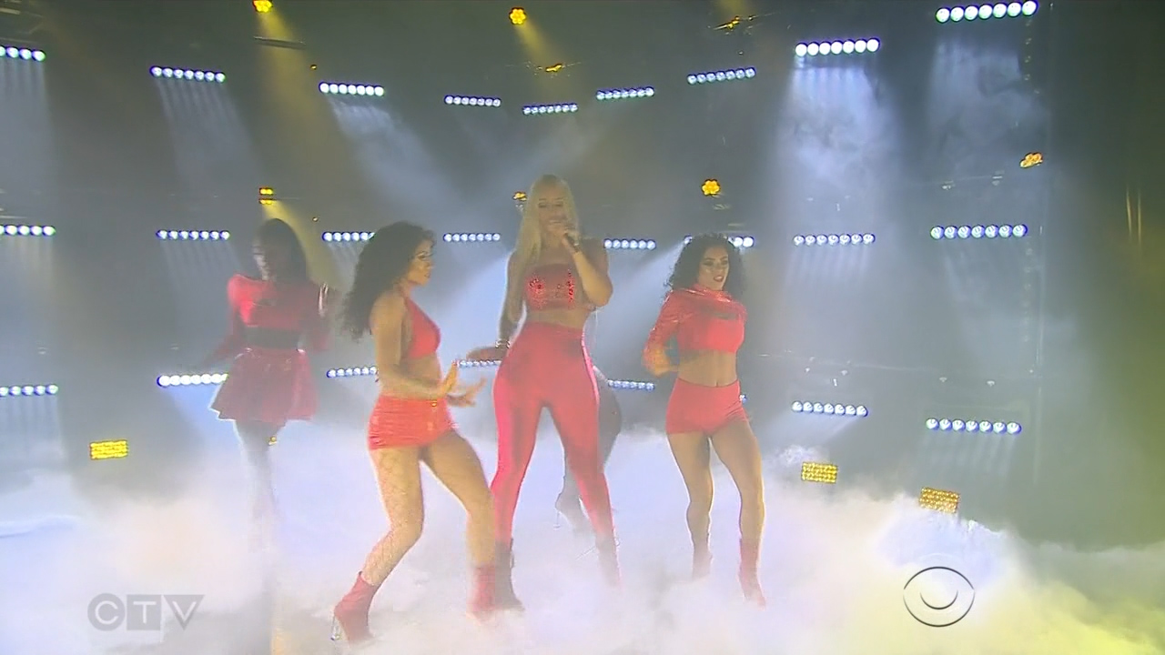 Iggy_Azalea_-_James_Corden_720p_2017_06_13.00_01_11_55.Still003.jpg