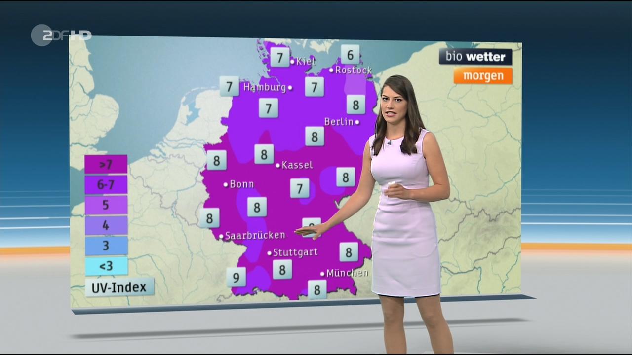 Christa_Stipp_-_ZDF_Wetter_720p_2017_06_14.00_01_04_03.Still007.jpg