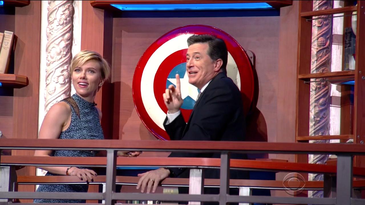 Scarlett_Johansson_-_Stephen_Colbert_720p_2017_06_16.00_09_57_01.Still010.jpg