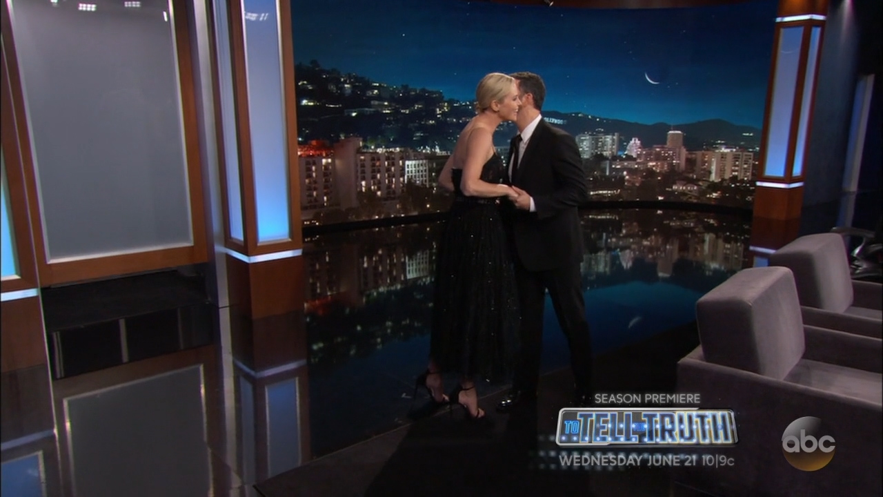 Charlize_Theron_-_Jimmy_Kimmel_720p_2017_06_12.00_01_17_20.Still002.jpg