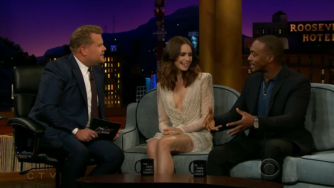 Lily_Collins_-_James_Corden_720p_2017_08_07.00_03_35_15.Still006.jpg