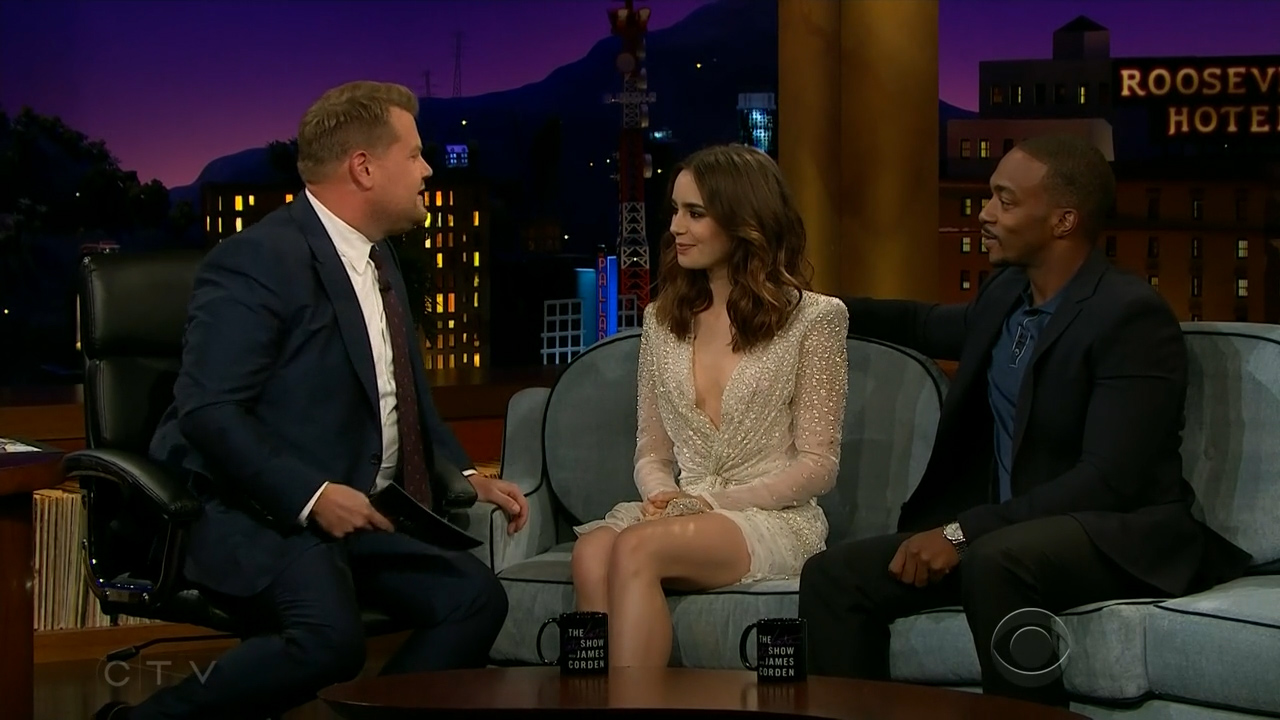 Lily_Collins_-_James_Corden_720p_2017_08_07.00_02_22_29.Still004.jpg