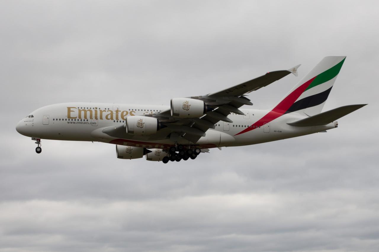A380-842_A6-EUW_FH_HH_20181029_0011a.jpg